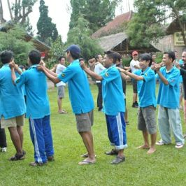 Outbound Training Team Building Bersama Cileunca Adventure